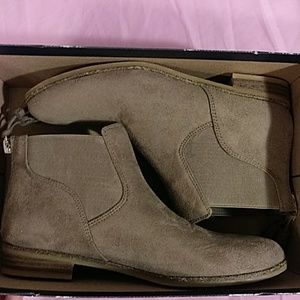 New. Dr. Scholl's taupe suede fashion boot